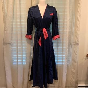 Other - Vintage satin dressing gown